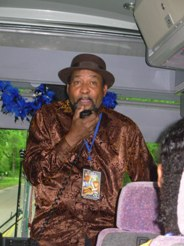 Picture: Super Chikan entertains us on the bus