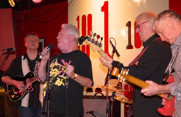 Picture: Dave Sampson and the band
